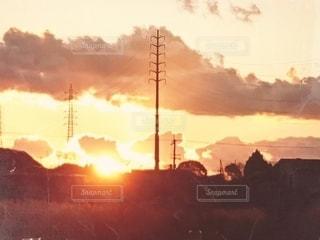 夕日に空に雲の群れの写真・画像素材[2963269]