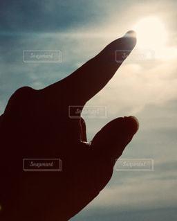風景,空,屋外,太陽,雲,手,シルエット,光,人,シャドウ
