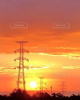 空,太陽,雲,夕暮れ,鉄塔,光,夕陽,景観,夕焼,トランスミッションタワー