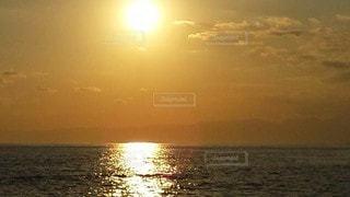 自然,風景,海,空,太陽,夕暮れ,水面,光