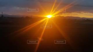自然,空,太陽,日光,光,朝,日の出,明るい
