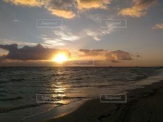 海,空,屋外,太陽,ビーチ,夕暮れ,海岸,光,キューバ,バラデロ