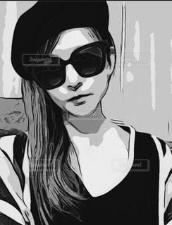 女性,1人,ファッション,ロングヘア,サングラス,黒,帽子,人物,人,コーディネート,コーデ,漫画,ブラック,スケッチ,黒コーデ,黒と白