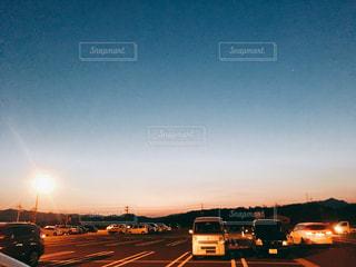 空,太陽,夕暮れ,駐車場,光