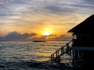 自然,海,空,夏,モルディブ,海外,太陽,光,旅行,夕陽,リゾート,水上コテージ,コテージ
