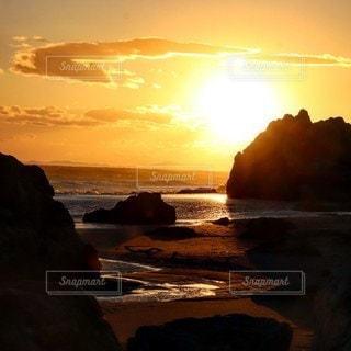自然,海,空,屋外,太陽,雲,夕暮れ,海岸,光,岩