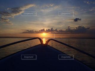空,太陽,夕暮れ,船,光,サンセット,船上