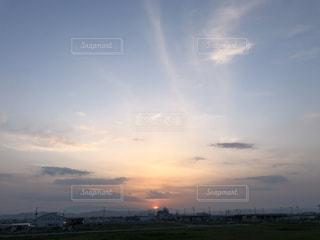 沈む太陽の写真・画像素材[2893604]