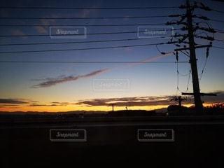 空,太陽,朝日,光,朝焼け,電線,朝