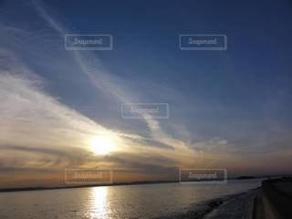 海,空,太陽,夕暮れ,水面,光