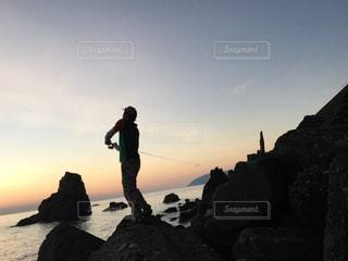 自然,海,空,夕日,太陽,光,岩,釣り,夕陽,海沿い,フィッシング,磯,ルアーフィッシング