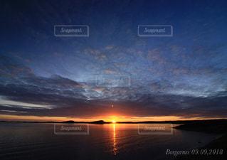 海,空,太陽,夕暮れ,水平線,光,アイスランド