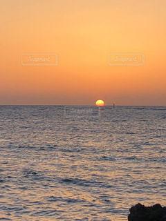 自然,風景,海,空,屋外,太陽,夕暮れ,水面,海岸,沖縄,光,地平線