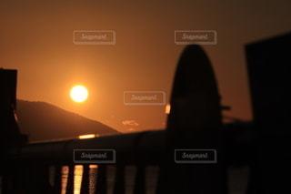 風景,空,太陽,夕暮れ,オレンジ,光,立ち入り禁止,通行止め