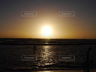 自然,風景,海,空,屋外,太陽,ビーチ,夕暮れ,水面,海岸,光,日の出