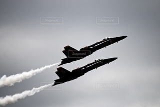 飛行機,飛ぶ,煙,航空機,空気,速度,戦闘機,航空,スモーク,航空ショー,チーム,スピード,スピード感,上昇,チームワーク,音速