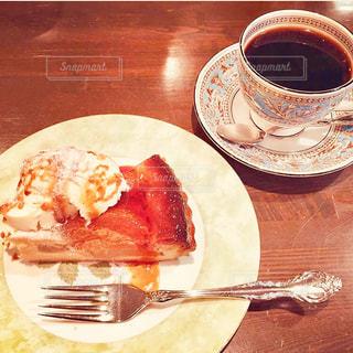 コーヒーとお気に入りのケーキの写真・画像素材[2931584]