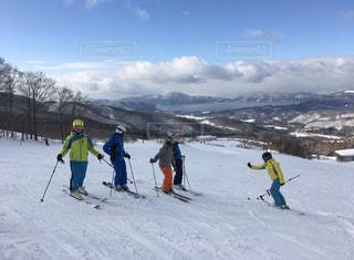 風景,アウトドア,空,スポーツ,雪,屋外,湖,晴れ,山,人物,スキー,ゲレンデ,レジャー,ハイキング,スキー場,リフト,スノーボード,斜面,日中,レッスン,指導,ウインタースポーツ