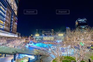 空,建物,夜,屋外,鮮やか,都会,高層ビル,グランフロント大阪,うめきた広場