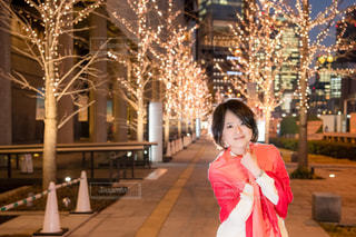 女性,恋人,友だち,風景,夜景,屋外,イルミネーション,けやき並木,グランフロント大阪