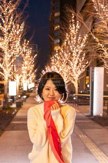 女性,恋人,友だち,1人,風景,夜景,イルミネーション,人,笑顔,けやき並木,グランフロント大阪