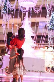 女性,家族,アート,少女,イルミネーション,人,クリスマス,リース,装飾,グランフロント,飾り,クリスマス ツリー,Grand Wish Christmas 2020
