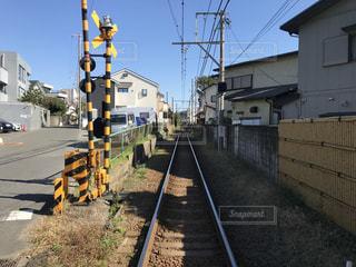 住宅地を横切る線路の写真・画像素材[2906721]