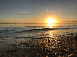 輝く浜辺の写真・画像素材[2906731]