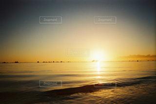 消え入る陽の写真・画像素材[2906707]