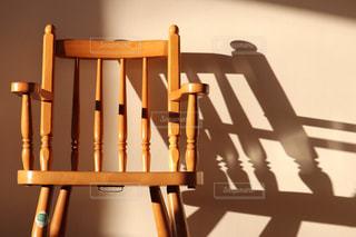 木製の椅子の写真・画像素材[2982282]