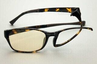 壊れた眼鏡の写真・画像素材[3762640]