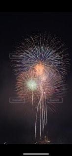 空の花火の写真・画像素材[2997258]