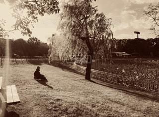 未舗装休憩している人の写真・画像素材[2921266]