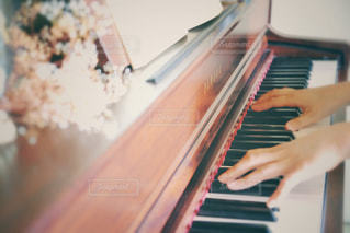 ピアノの鍵盤の写真・画像素材[3199759]