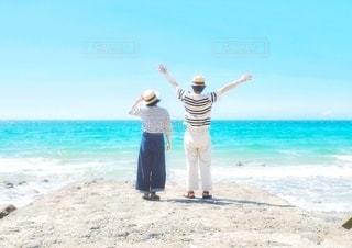 海に向かっての写真・画像素材[3555077]