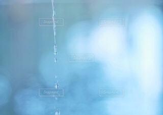 滴る水の写真・画像素材[4707710]