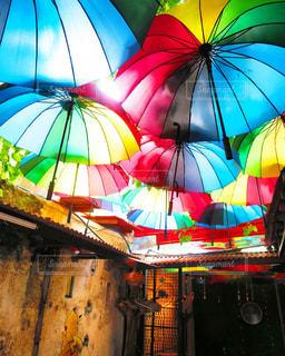 アートな街のアートなカフェの写真・画像素材[917741]