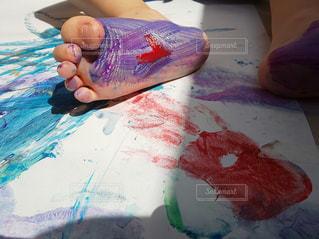 カラフル,足,絵の具,アート,ペン,紙,おえかき,おうち時間