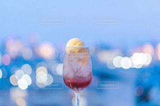 赤いクリームソーダの写真・画像素材[3501037]