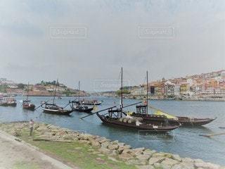 ポルトガルの世界遺産ポルトの港町の写真・画像素材[2941395]