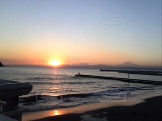 江の島の夕日の写真・画像素材[4648692]