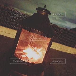 庭で焚き火の写真・画像素材[3029389]