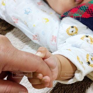 初めての握手の写真・画像素材[2938082]