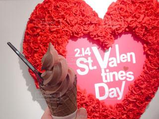 バレンタイン限定のチョコソフトクリームの写真・画像素材[2938441]