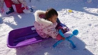 子ども,1人,アウトドア,スポーツ,雪,人物,赤ちゃん,ゲレンデ,レジャー,遊び場
