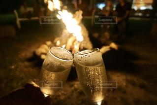 炎とシャンパンの写真・画像素材[3068088]