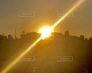 風景,空,太陽,朝日,ベランダ,癒し,元気,正月,お正月,日の出,新年,光線,黄金,眺め,バルコニー,powerful,sunrise