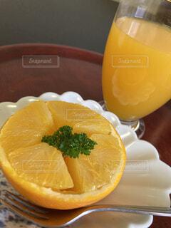 オレンジとオレンジジュースの写真・画像素材[4324757]