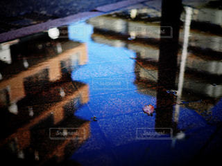 逆さまの世界の写真・画像素材[3006787]