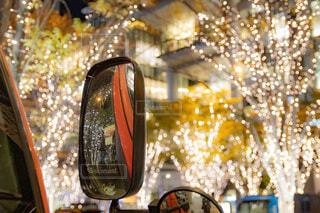 冬,夜景,オレンジ,ガラス,イルミネーション,ライトアップ,クリスマス,丸,並木道,装飾,明るい,ミラー,デート,ショッピング,グランフロント,街路樹,グランフロント大阪